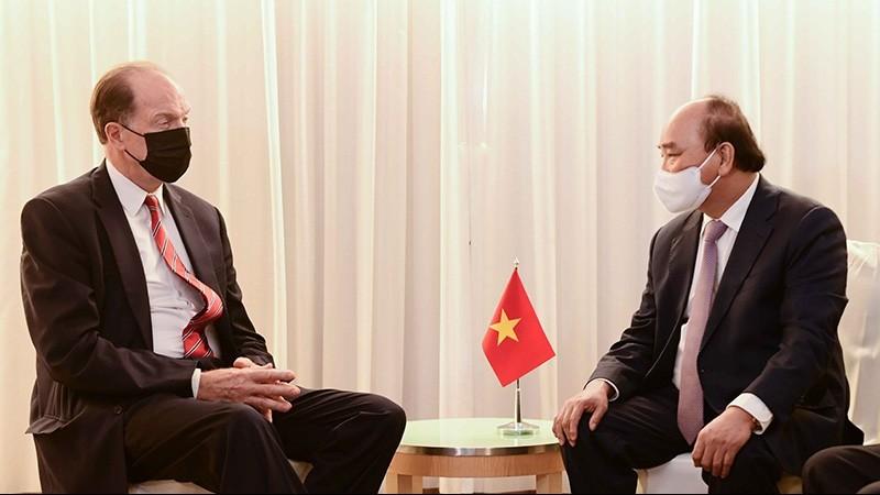 Chủ tịch nước Nguyễn Xuân Phúc gặp lãnh đạo các nước và tổ chức quốc tế