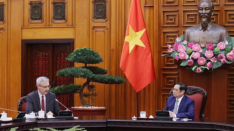 Thủ tướng Phạm Minh Chính tiếp Đại sứ Pháp tại Việt Nam Nicolas Warnery