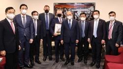 Chủ tịch nước Nguyễn Xuân Phúc tiếp các doanh nghiệp năng lượng hàng đầu Hoa Kỳ