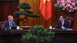Thủ tướng Phạm Minh Chính tiếp Đại sứ Anh tại Việt Nam Gareth Ward