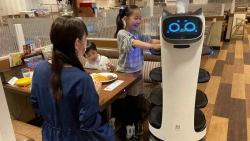Đại dịch Covid-19 - tác nhân cho ngành robot phục vụ bùng nổ