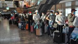 Đưa gần 50 công dân Việt Nam từ Mozambique và Na Uy quá cảnh tại Qatar về nước