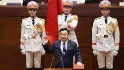 Chủ tịch Quốc hội Lào chúc mừng Chủ tịch Quốc hội Vương Đình Huệ