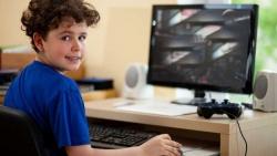 Trẻ em xem quá nhiều TV và máy tính sẽ học tập sa sút