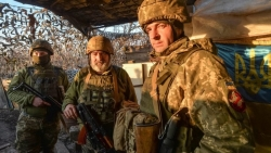 DW: Nga rút quân khỏi biên giới với Ukraine chỉ là chiêu trò, nguy cơ leo thang xung đột chưa mất đi