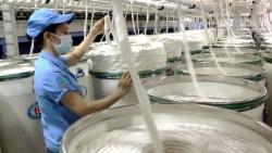 Việt Nam 'bỏ túi' thêm 1 tỷ USD nhờ tăng mạnh đơn hàng xuất khẩu xơ sợi