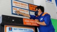 Giá xăng dầu tăng cao 'đánh mạnh' vào tăng trưởng kinh tế Việt Nam như thế nào?