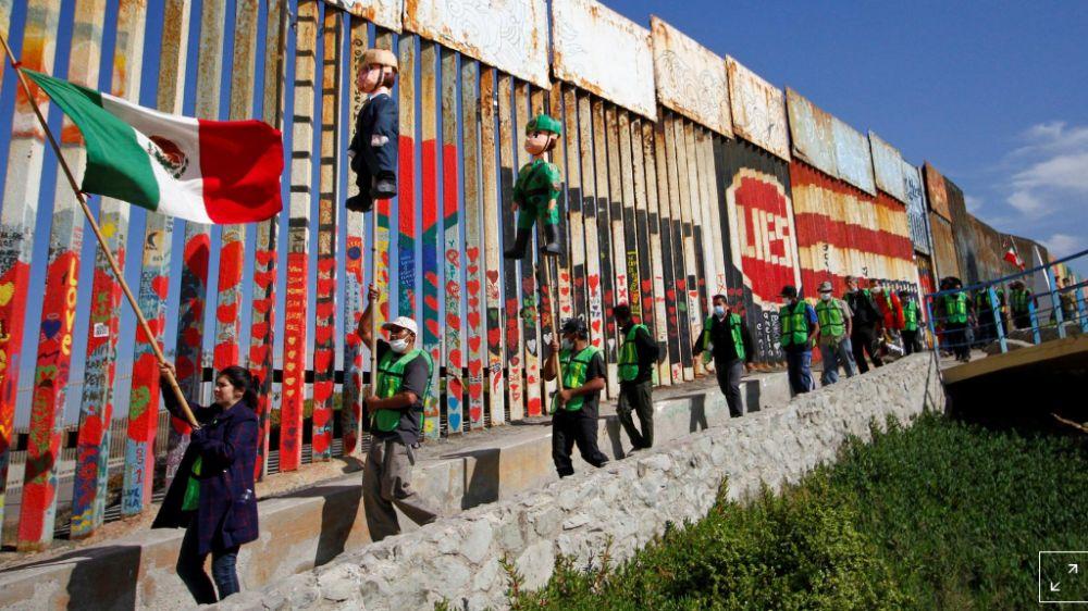 Người Mexico kêu gọi dân Mỹ không bỏ phiếu cho ông Trump