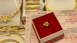 Ngày vía Thần Tài 2021: 'Né' Covid-19, người dân tấp nập đặt lệnh mua vàng online