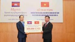 Việt Nam ủng hộ Campuchia ứng phó phòng, chống dịch Covid-19