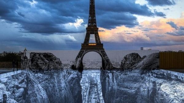 Choáng với hình ảnh tháp Eiffel treo trên vách đá