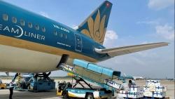 40 tấn vải thiều Bắc Giang 'ngồi' khoang hành khách đến TP. Hồ Chí Minh