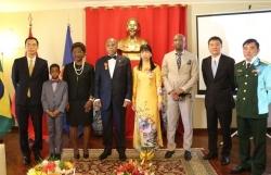 Trao Huân chương Hữu nghị cho nguyên Đại sứ Mozambique tại Việt Nam