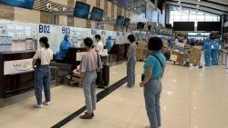 Chuyến bay đặc biệt của Vietnam Airlines chở 200 y, bác sĩ tình nguyện vào miền Nam chống dịch
