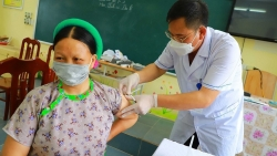 Chiến lược 'phủ sóng' vaccine Covid-19 mang thương hiệu thần tốc của Quảng Ninh