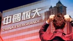 Còn đang bấn loạn với 'bom nợ' Evergrande, thị trường bất động sản Trung Quốc nhận thêm loạt tin sốc