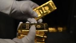 Giá vàng hôm nay 8/7: Băng qua ngưỡng tâm lý 1.800 USD, chuyên gia khuyên nên có vàng trong giỏ tài sản
