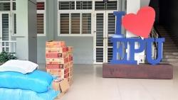 Hỗ trợ sinh viên quốc tế: Không chỉ là quà, mà là trao gửi yêu thương