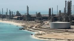 Nhu cầu phục hồi khiến giá dầu châu Á chạm mốc cao nhất kể từ đầu tháng 10