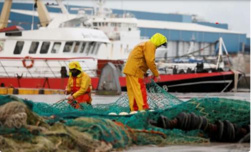 Pháp 'buồn' vì Anh thiếu mạnh mẽ trong giải quyết tranh chấp nghề cá