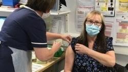 Pháp: Nên tiêm phòng cúm song song với chủng ngừa Covid-19