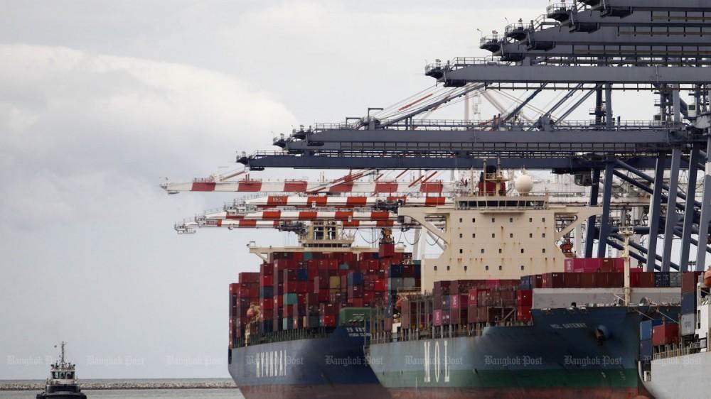 Bất chấp dịch Covid-19, xuất khẩu 6 nước ASEAN năm 2020 chỉ giảm 2,2%