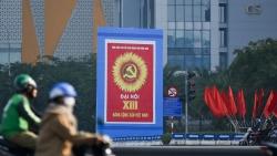 Đường phố Hà Nội rực rỡ cờ hoa chào mừng Đại hội XIII của Đảng