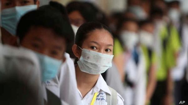 Người phát ngôn Bộ Ngoại giao: Thông tin về tình hình sức khỏe của 13 người Việt Nam tại Campuchia nhiễm Covid-19