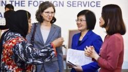 Đại sứ Nguyễn Nguyệt Nga: Bóng hồng sắc sảo trên 'đấu trường' ngoại giao
