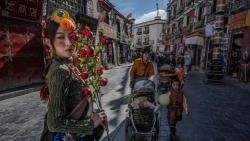 Khám phá cuộc sống ở 'nóc nhà thế giới' Tây Tạng sau các hạn chế đi lại do Covid-19