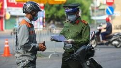 Covid-19 ở Việt Nam sáng 8/9: 10.253 ca khỏi bệnh; Hà Nội vẫn dùng giấy đi đường cũ; lý do TP. Hồ Chí Minh tiêm mũi 1 vaccine Moderna, mũi 2 Pfizer