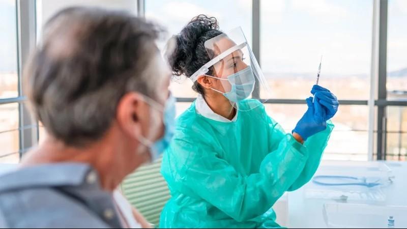 Có phải người tiêm một mũi vaccine sau khi mắc Covid-19 sẽ có sức đề kháng mạnh hơn?