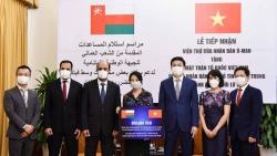 Oman ủng hộ 300.000 USD giúp đỡ nhân dân một số tỉnh miền Trung Việt Nam bị ảnh hưởng lũ lụt