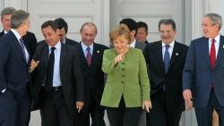 16 năm 'chèo lái' nước Đức của bà Angela Merkel qua những bức ảnh
