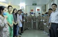 Đoàn Thanh niên Bộ Ngoại giao trao hơn 17 triệu đồng cho bệnh nhân Bệnh viện Phụ sản Trung ương