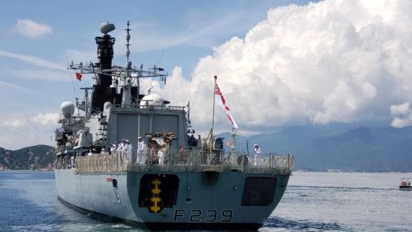 Tàu Hải quân Hoàng gia Anh cập cảng Cam Ranh, bắt đầu chuyến thăm Việt Nam 4 ngày
