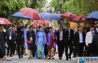 Phu nhân Chủ tịch nước đón các Phu nhân Lãnh đạo APEC 2017