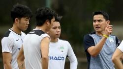 HLV Kiatisuk và kỳ vọng mang lại 'những cái nhất' cho... cầu thủ đội tuyển Việt Nam