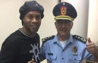 Sau 'lùm xùm' giấy tờ giả, Ronaldinho đã được Paraguay thả tự do