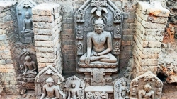 Ấn Độ: Khai quật hàng chục pho tượng Phật cổ nghìn năm tuổi