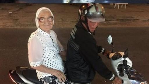 Một mình du lịch Việt Nam và hàng chục quốc gia, cụ bà 91 tuổi người Nga gây bão mạng