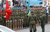Chủ tịch Kim Jong-un được Nga đón tiếp bằng thảm đỏ, bánh mì và muối