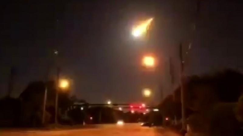 Mỹ: Quả cầu lửa bí ẩn  vụt qua bầu trời đêm Florida