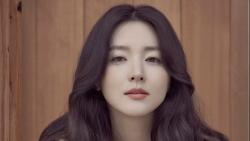 Gia đình hạnh phúc và nhan sắc vượt thời gian của nữ diễn viên chính phim 'Nàng Dae Jang Geum'