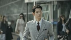 Song Joong Ki bật mí bí quyết giữ dáng hoàn hảo khi lịch trình đóng phim bận rộn