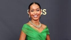 Emmy 2021: Ngắm dàn mỹ nhân chuộng màu nổi, rực rỡ trên thảm đỏ