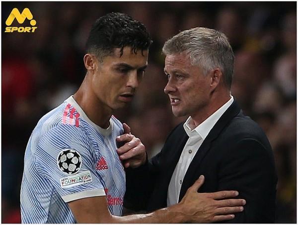 HLV Solskjaer: Ronaldo có thể thi đấu tới 40 tuổi, Man Utd không được hưởng phạt đền là do... Jurgen Klopp