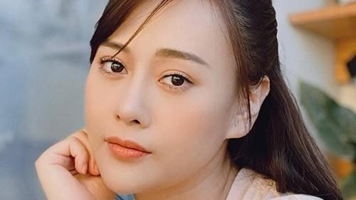 Phương Oanh, Khả Ngân, Quỳnh Kool và Phanh Lee tự tin khoe mặt mộc, tiết lộ bí quyết chăm sóc da