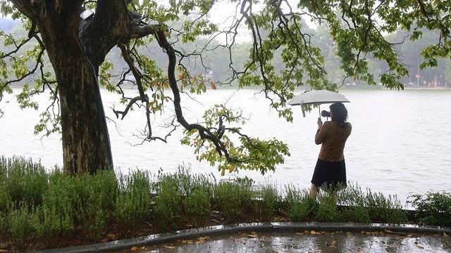 Dự báo thời tiết: Không khí lạnh tăng cường, cuối tuần miền Bắc mưa rét; tình hình mưa lũ ở miền Trung