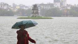 Dự báo thời tiết đêm nay và ngày mai (21-22/10): Không khí lạnh tràn về, Trung Bộ có nơi mưa rất to; Bắc Bộ và Thanh Hóa trời rét